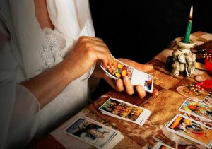 Dealing Tarot cards